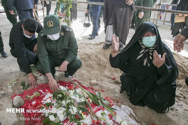 تشییع و خاکسپاری پیکر شهید مدافع امنیت خلیل رونده در تبریز