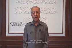 امت اسلامی باید آگاهانه جلوی توطئهها و نفوذ دشمنان را بگیرد