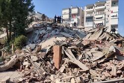 İzmir'de şiddetli deprem: Çok sayıda yaralı var