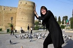 أنا مهتمة بالسفر إلى إيران / اليونان ترغب بتطوير وتوسيع التعاون السياحي مع ايران