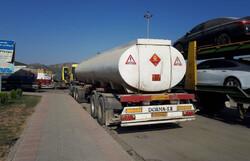 تانکر ۲۰ هزار لیتری بنزین در اصفهان واژگون شد