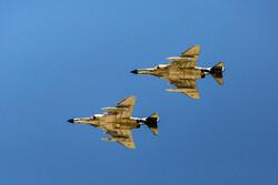 Tatbikatta 'Phantom' tipi savaş uçakları hedeflerini başarıyla vurdu