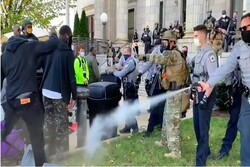 یورش پلیس آمریکا به یک تجمع مسالمتآمیز درکارولینایشمالی