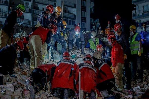 İzmir'deki depremde can kaybı 76'ya yükseldi