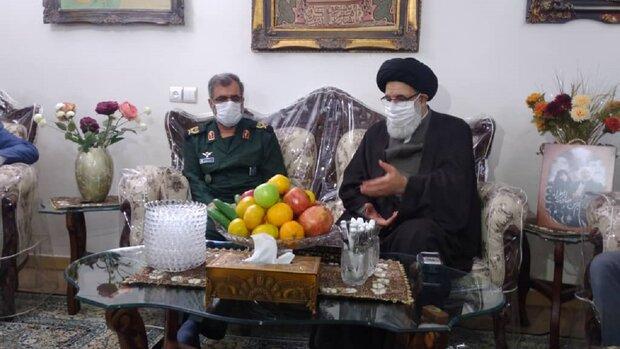 قائد الثورة الإسلامية يبعث برسالة لعائلة الشهيد فهميدة