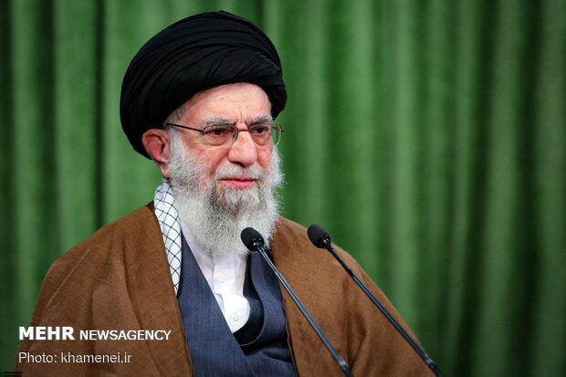 Ayatollah Khamenei felicitates world Christians on Christmas