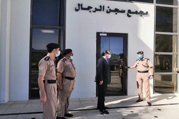 Envoy meets with Iranian inmates, vows to follow up problems