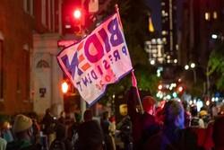 أنصار بايدن يتظاهرون في نيويورك وواشنطن