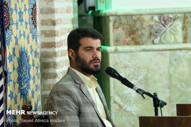 مناجات خوانی میثم مطیعی در امامزاده قاضی الصابر(ع)