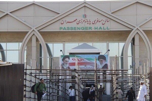 النشاط التجاري في معبر مهران الدولي مستمر وفقا لجمیع البروتوکولات الصحیة