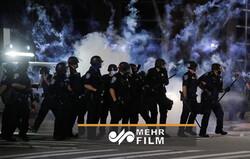 پلیس آرژانتین توسط معترضان محاصره شد