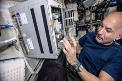 باکتری مواد معدنی فضایی را استخراج می کند