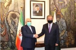 ظريف يعلن عن إفتتاح معبر حدودي بين إيران وباكستان