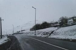 جاده های گلستان لغزنده است/ لزوم به همراه داشتن زنجیرچرخ در محورهای کوهستانی