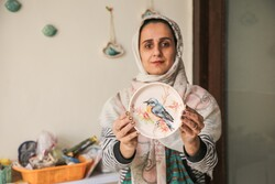 İranlı girişimci kadın evinde çömlek atölyesi kurdu