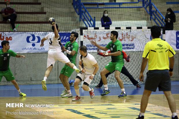 برتری ذوب آهن اصفهان برابر نفت / صادقی: کار سختی در بازی بعد داریم