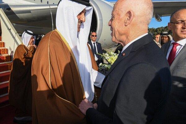 الرئيس التونسي يصل قطر بأول زيارة له منذ توليه منصبه