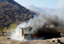 Ermeniler Kelbecer'deki evleri yakıp gitti