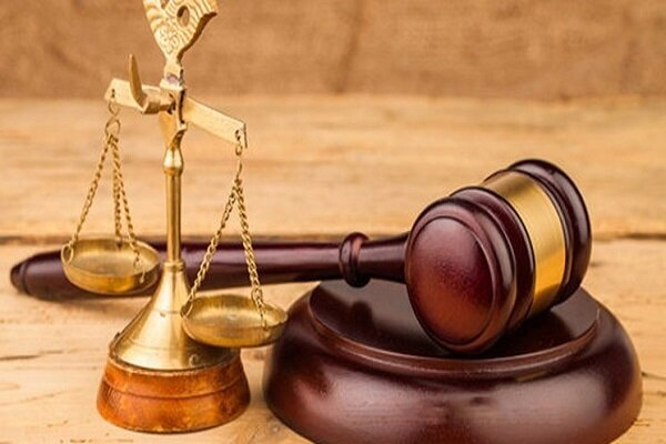 انتقاد از عملکرد برخی وکلا/سودای شهرت با قبول پروندههای خاص