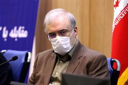 انتقاد نمکی از پروتکل شکنان/ پاداش قصه پرغصه مدافعان سلامت