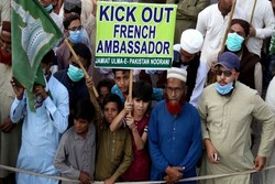 Pakistan Fransa Büyükeçisi'ni sınır dışı ediyor