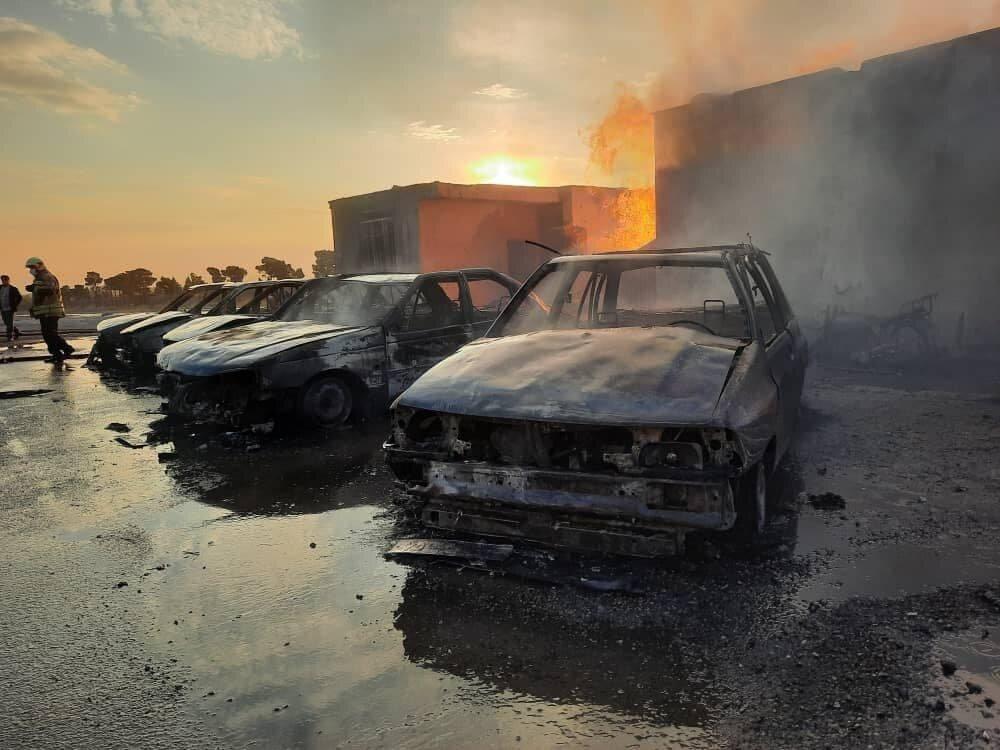 3604723 » مجله اینترنتی کوشا » جزئیات آتش سوزی گسترده در یک گاراژ غیرمجاز سوخت گیری گاز LPG 1