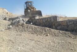 رفع تصرف ۶ هزار مترمربع از اراضی ملی دماوند/دیوارکشی ها تخریب شد