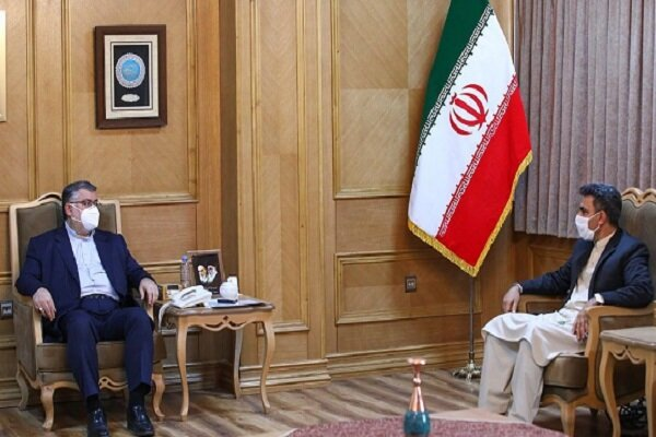 Iranian, Afghan provinces urge expansion of mutual ties