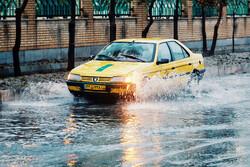 بارشها در مناطق غرب و مرکز اصفهان شدت میگیرد/ احتمال آبگرفتگی معابر شهری و جادهای