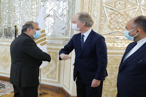 West held humanitarian topics of Syria hostage: Khaji