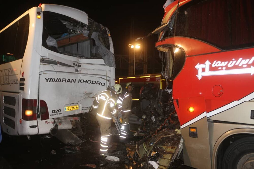 تصادف زنجیرهای در بلوار تندگویان/۱۷ نفر مصدوم شدند
