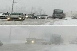 جزییات گرفتاری خودروها در برف مشا/محور با سرعت بازگشایی شد
