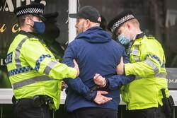 برطانیہ میں پولیس نے مشتبہ اغواء کارکو گرفتار کرنے کے لئے طیارہ روک لیا