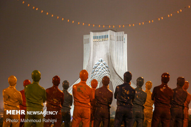 میدان آزادی- ساعت 21:10