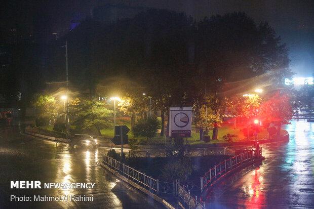 میدان تجریش- ساعت 22:25