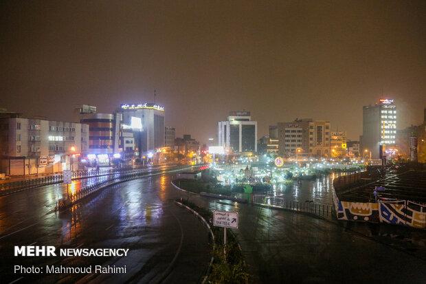 خیابان کریمخان- ساعت 22:59