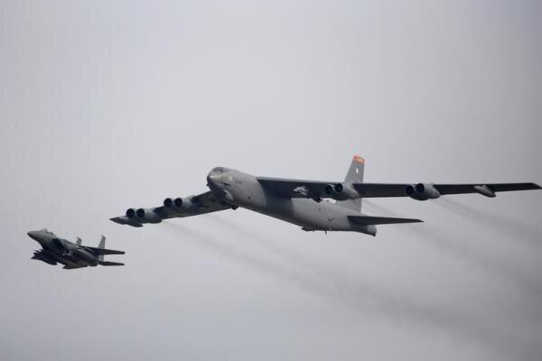 آمریکا بمب افکن های «بی-۵۲» خود را در خاورمیانه مستقر می کند