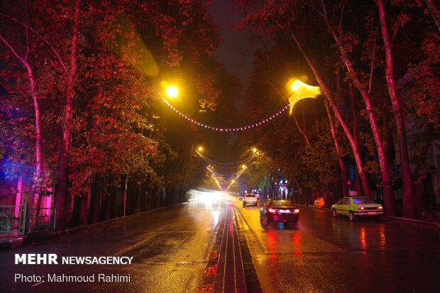 خیابان ولیعصر- ساعت 22:13