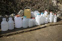 تامین آب از چشمه های اطراف شهر سنندج