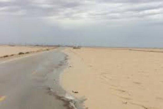 محور ساحلی گناوه – بوشهر به دلیل آبگرفتگی مسدود است