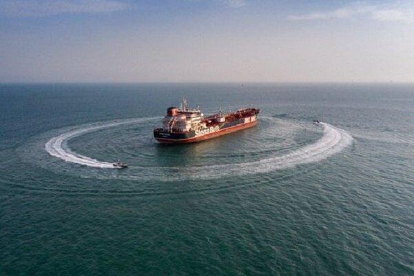 شناور حامل سوخت قاچاق در خلیج فارس بوشهر توقیف شد