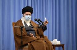قائد الثورة: لا تعلّقوا على أنشطتنا الصاروخية بينما تمتلكون صواريخ نووية مدمرة