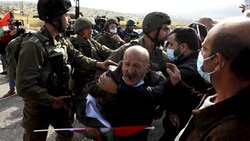 Zionist army attacks Palestinians march against annexation