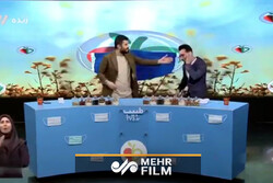 حرکات عجیب مجری و مهمان برنامه تلویزیونی طبیب
