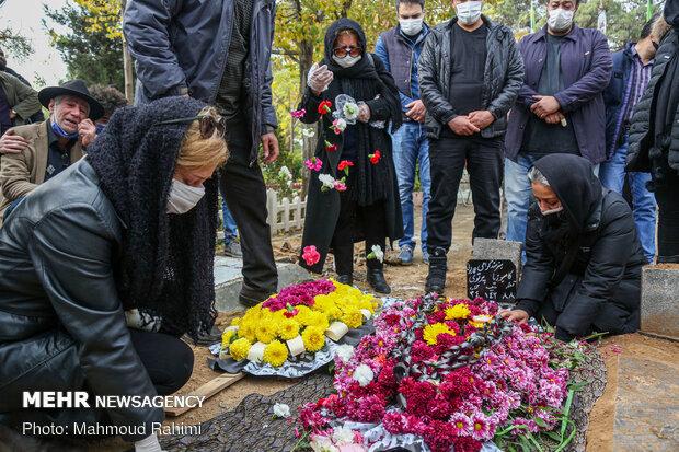 خاکسپاری پیکر مرحوم کامبوزیا پرتوی