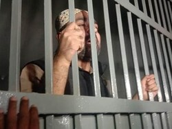 پاکستان کے سابق وزیر اعظم کے بیٹے کو گرفتار کرلیا گیا