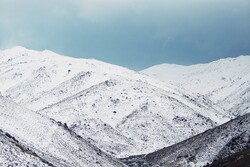 ہمدان کے تاریک درہ میں شدید برف باری