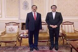 İran ve Türkiye'nin Bakü büyükelçileri görüştü
