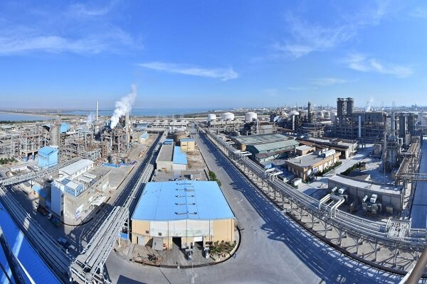 Iran petchem plant operates at 104% of capacity