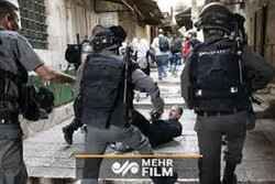 VIDEO: Israeli police act brutally for not wearing masks